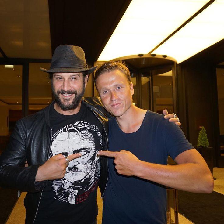 Today I met Stefan Kapičić . Nice meeting you @stefankapicic #stefankapicic #instame #instafamous #instagood #igers#berlin#photooftheday #awesome #nice#deadpool#marvel#colossus #counterpart#celebrity #me#actor#nofilter http://tipsrazzi.com/ipost/1523478959109546916/?code=BUkfAqkgaOk