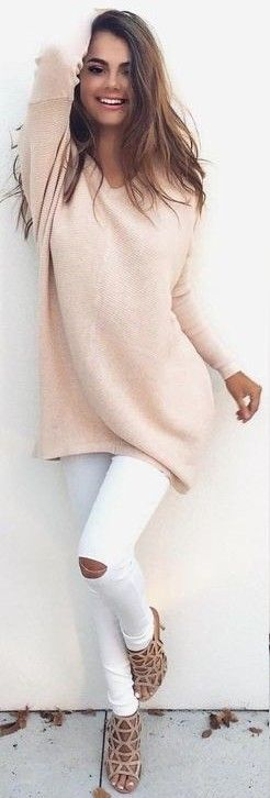 #fall #trending #outfits | Peach Sweater + White Jeans