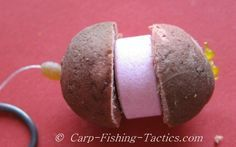 A NEW carp fishing rig ideal to present a bait in between weedy areas. The Fizzing boilie rig attracts carp into the swim as the tablet leaks off flavour into the water. How to create the fizz burger carp rig