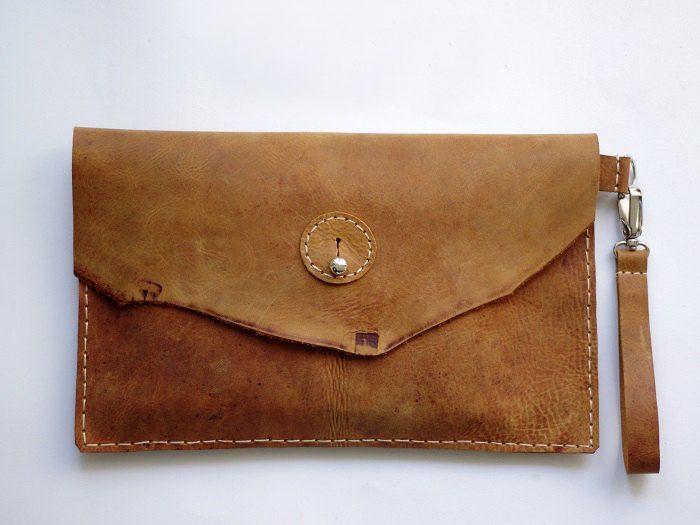 Un tutoriel simple pour réaliser sa propre pochette en cuir !
