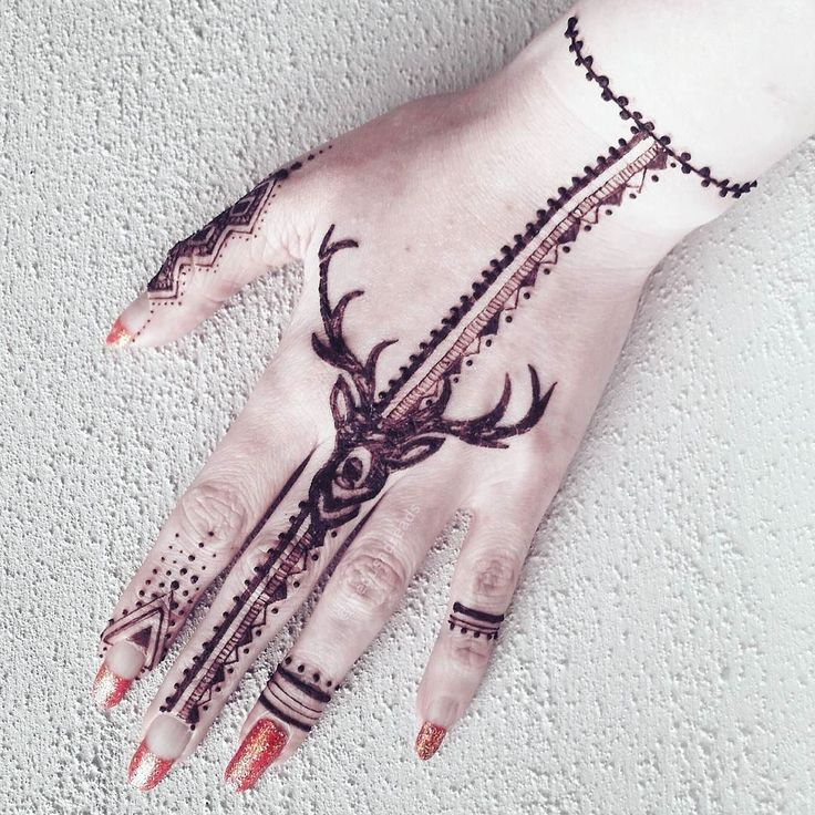 My usual hand henna design with a stag added Stag inspired from pinterest. Used a super fine tipped cone for fine lines. #henna #mehndi #mendi #mendhi #finelines #doodle #stag #deer #temporarytattoo #handtattoo #fingertattoo #medusamehndi #naturalhenna