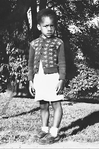 Jimi Hendrix - ummm is he wearing a skirt? ... no that must be a long coat worn over shorts... ? ?