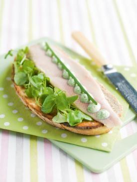 Geroosterd brood met waterkersmayonaise en gerookte forel | Spar