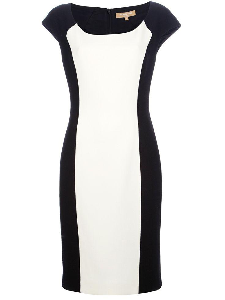 Vestido preto com detalhe branco na frente