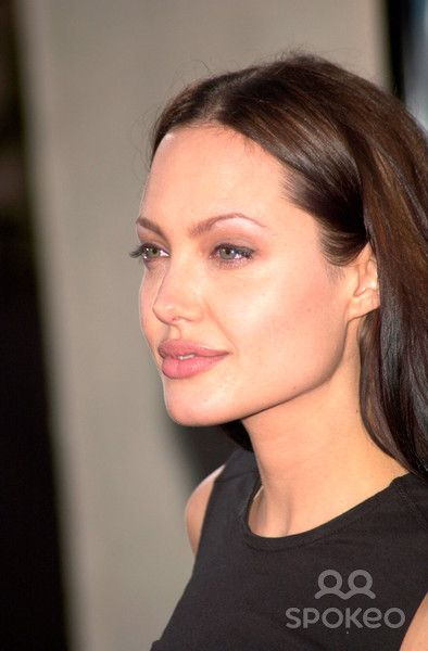 Actress ANGELINA JOLIE at the world premiere, in Los Angeles, of her new movie Lara Croft: Tomb Raider. 11JUN2001. Paul Smith/Featureflash