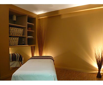 Massageraum farbe  Die 15 besten Bilder zu مساج auf Pinterest | Massage, Kosmetikerin ...