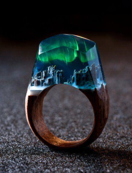 Conoscete già gli anelli di Secret Wood? Sono dei piccoli tesori, che nascondono storie fantastiche, tutte da scoprire.