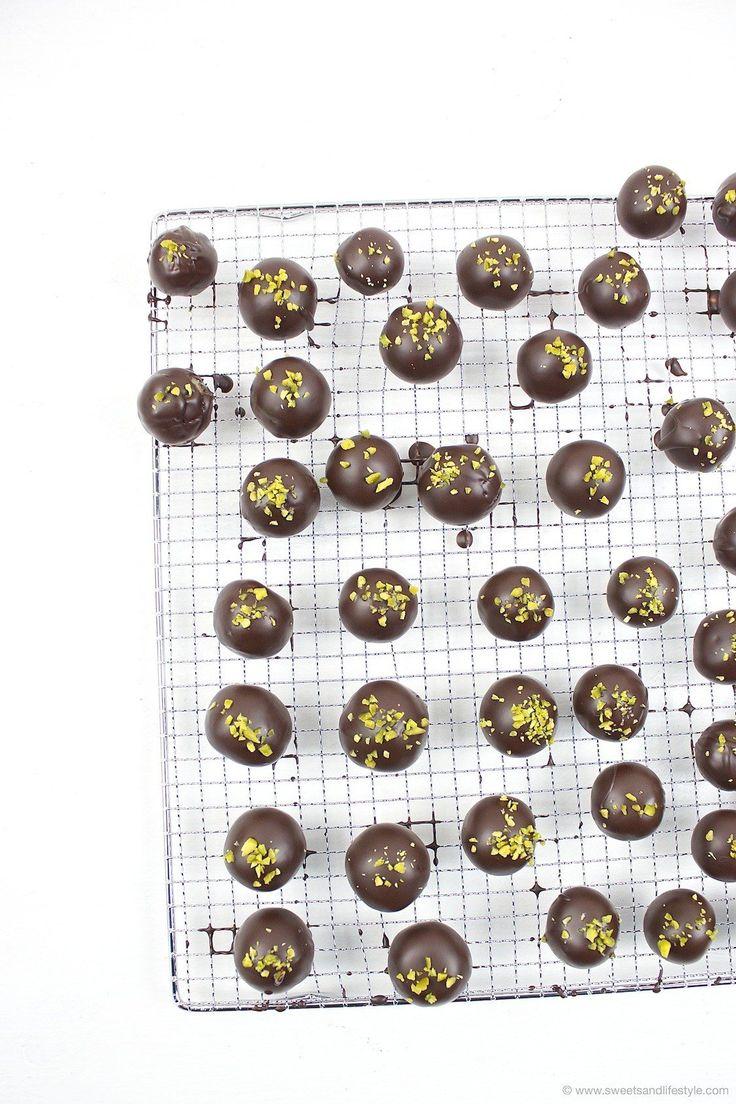 """Selbst gemachte Mozartkugeln // homemade Mozart balls """"Mozartkugeln"""" // Sweets & Lifestyle"""