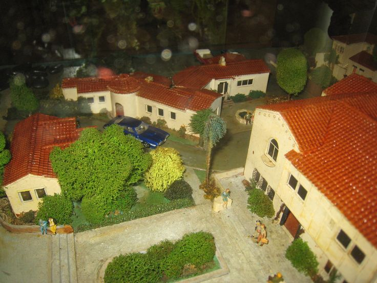 Grail: One man\'s search for the Garden of Allah Hotel scale model ...