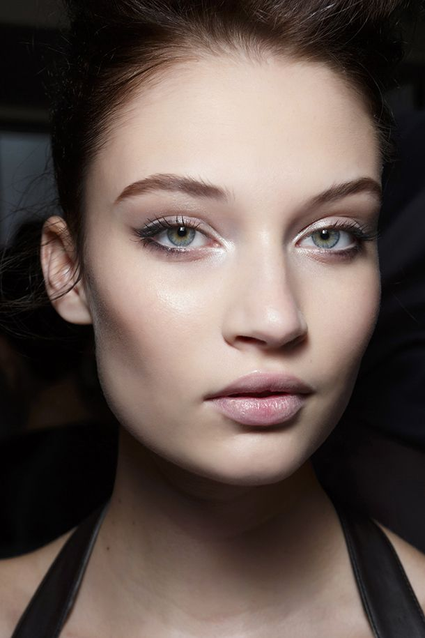The Right Way to Wear Eyeliner on Your Bottom Lid | StyleCaster