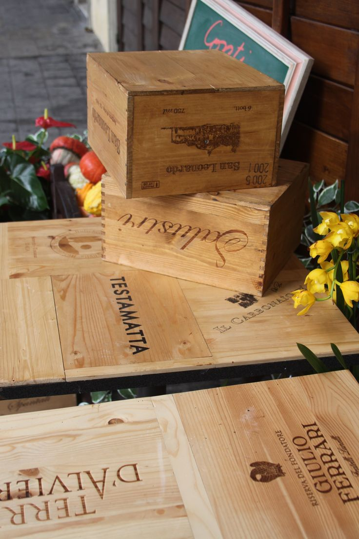 17 best images about unique wooden wine crate and box for Wine crate diy