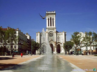 Saint Etienne - Loved the fountains in the city square