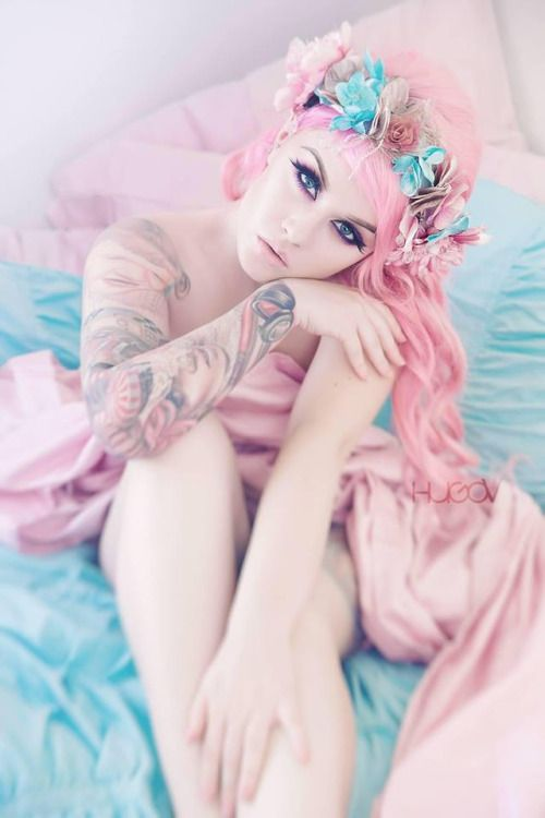 pastelmermaidscales:  Kelly Eden  By Hugo V Photography  (please do not remove credit)