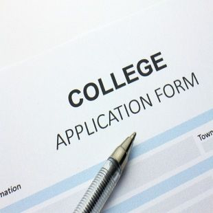 Use these tips to better understand why sending in your college applications early can increase your chances of being accepted.