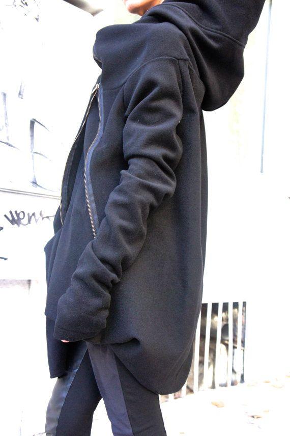 Prachtige Hooded zwart Cashmere-wollen jas / Extra lange mouwen / duim gat mouwen  Extravagante en unieke donker grijs asymmetrische jas  Met Zip en grote zak... zo comfortabel en altijd in stijl!  Moderne en elegante en DURFT te dragen!  Verschillende maten verkrijgbaar S, M, L, XL   Vanwege het losse ontwerp de belangrijkste hier zijn borstbeeld een mouwen   grootte S Bust 35,5 Biceps 12,5   grootte M Bust 38 Biceps 14   maat L Bust 41,5 Biceps 15,5   maat XL B is 45 Biceps 17    ...
