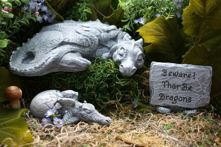 Statues Mother & Baby Dragon Two Piece Set Outdoor Garden Decorations