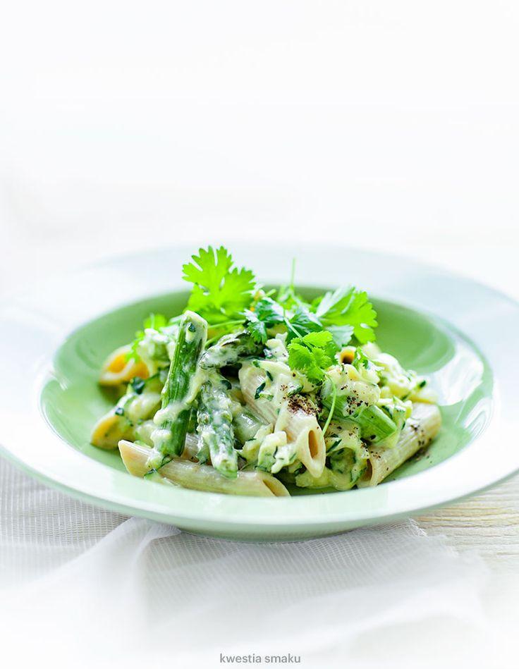 Makaron ze szparagami, tartą cukinią i mascarpone