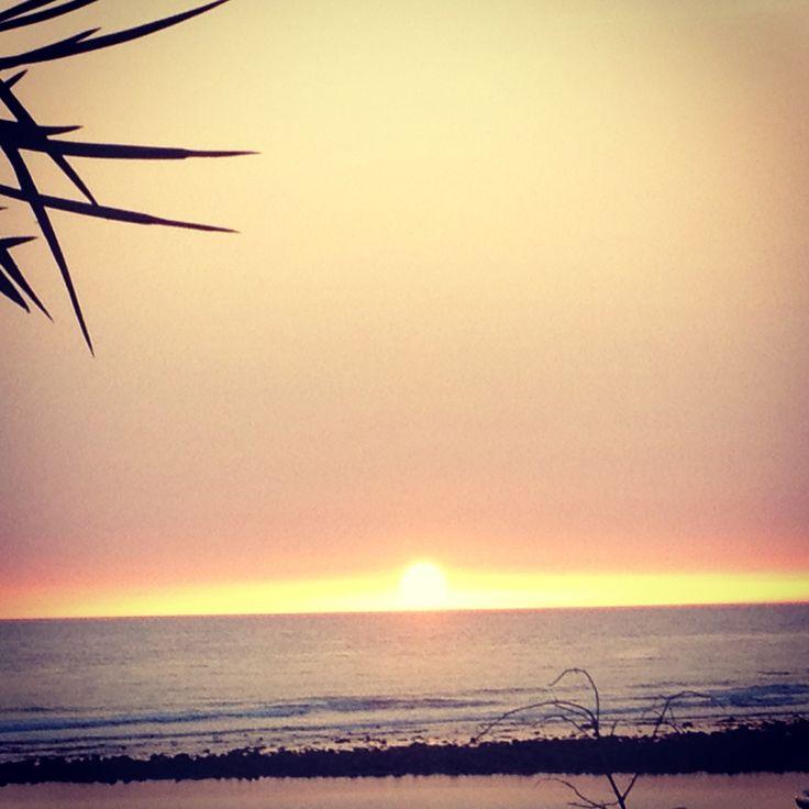 Puesta de sol en la playa de Zahara.