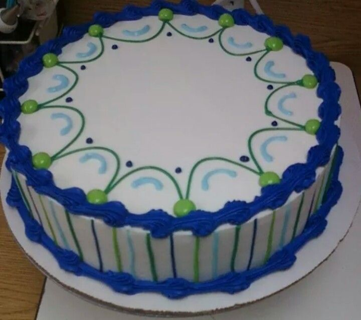 Cake Decorating Designs Easy : Best 25+ Simple cake designs ideas on Pinterest Piping ...