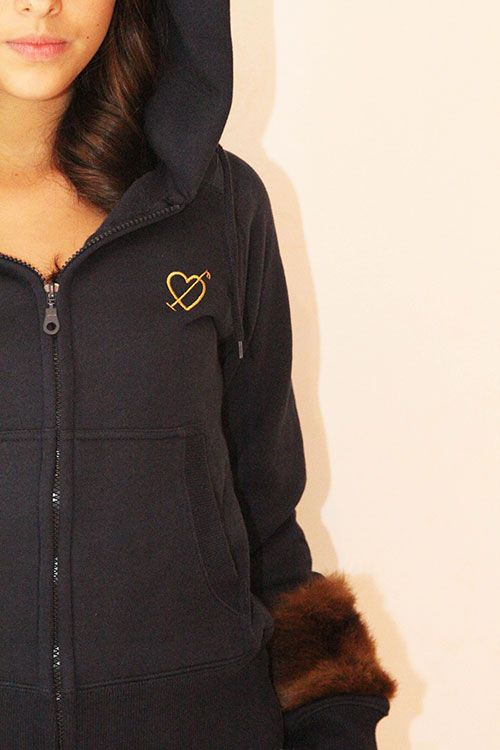 Navy blue hoodie with vintage fur and application | front