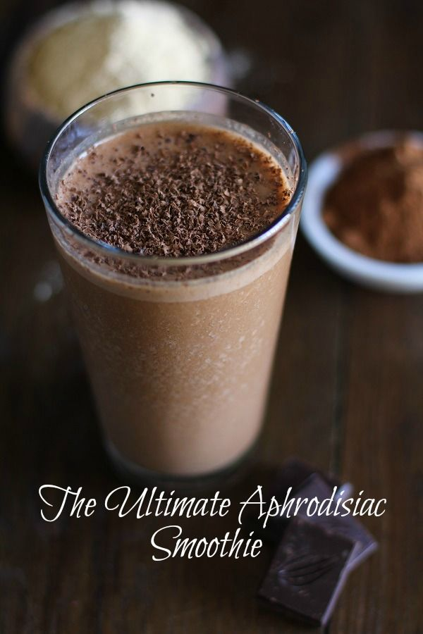 Aphrodisiac Smoothie with Cacao and Maca #chocolate #superfood #breakfast