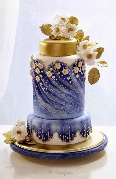 Cake Wrecks - Home - Sunday Sweets: WatercolorCakes.  This is an example of a BEAUTIFUL cake that the cakewrecks website posted for contrast