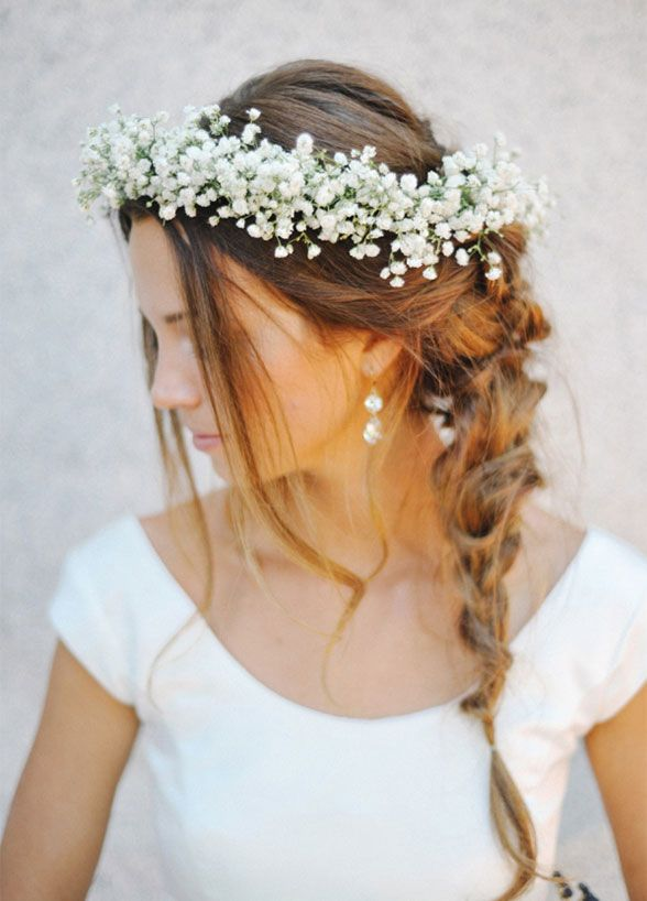 Floral Headpiece: Baby's breath is the perfect choice for a neutral colored floral headpiece that looks absolutely lovely.