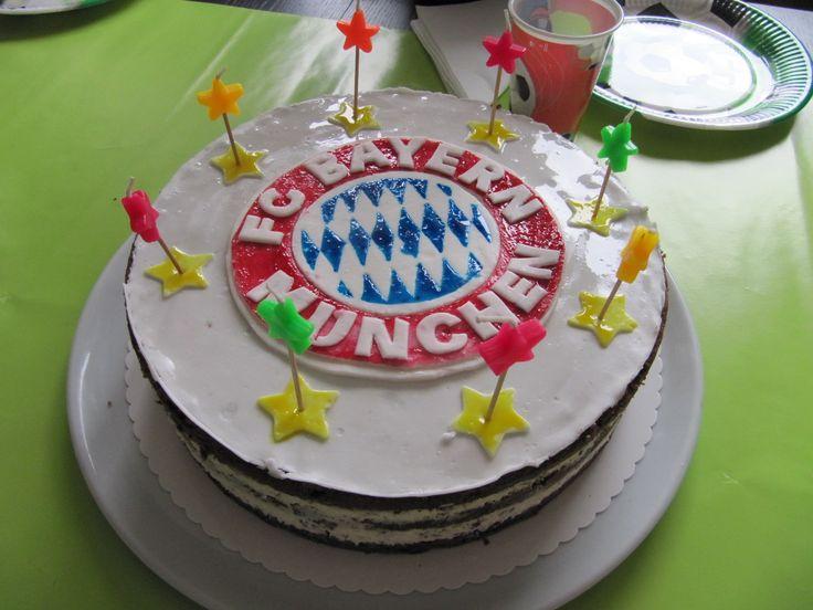 Kindergeburtstagstorte *FC Bayern-München*