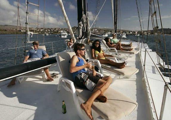 Viajes Turismo Aventura y Lugares turisticos de Ecuador Playas: Los diferentes tipos de Cruceros en Galápagos