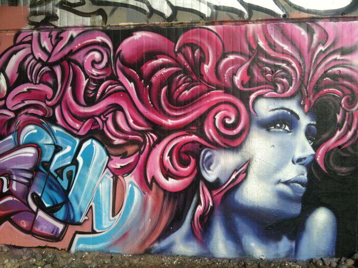 Graffiti unter der neuen Rheinbrücke