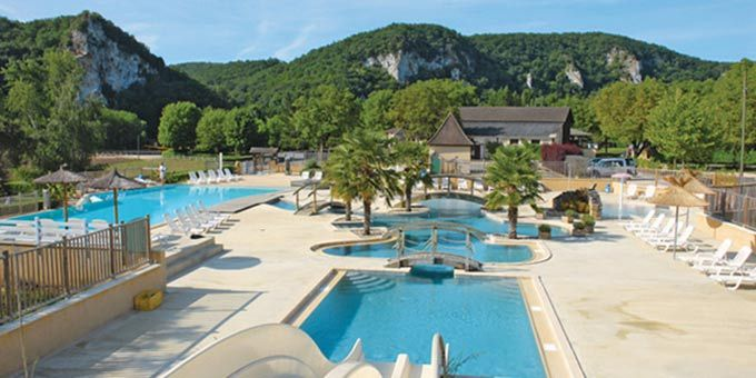 Soleil Plage is a small yet wonderful campsite which lies on the banks of the river Dordogne. Camping at Soleil Plage campsite provides you with the perfect