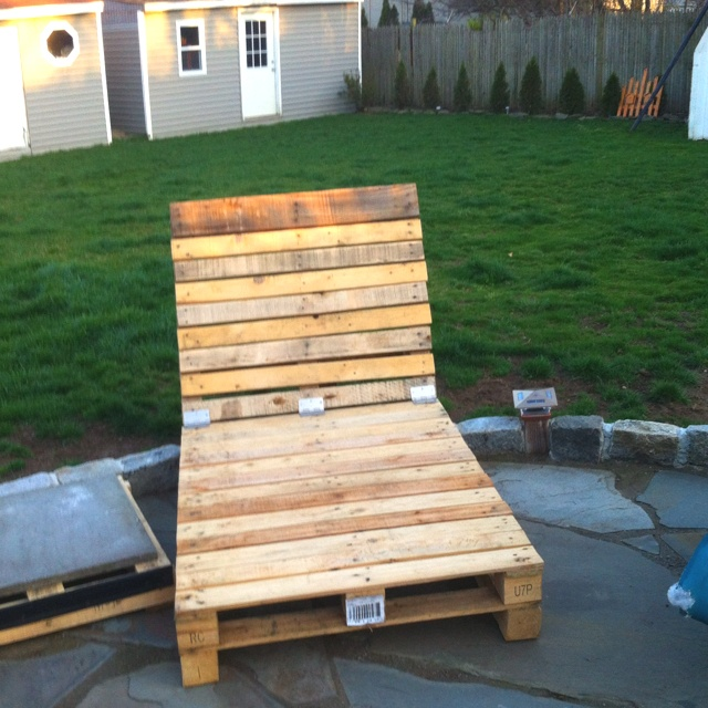 Pallet chaise lounge : applaro chaise - Sectionals, Sofas & Couches