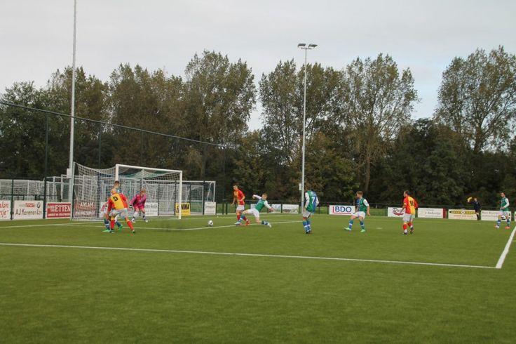 Onderdijk – Na vier wedstrijden verloor Strandvogels afgelopen zondag de ongeslagen status tegen St. George. De promovendus uit Spierdijk bleek in een spectaculair duel met 3-5 de sterkste. D…