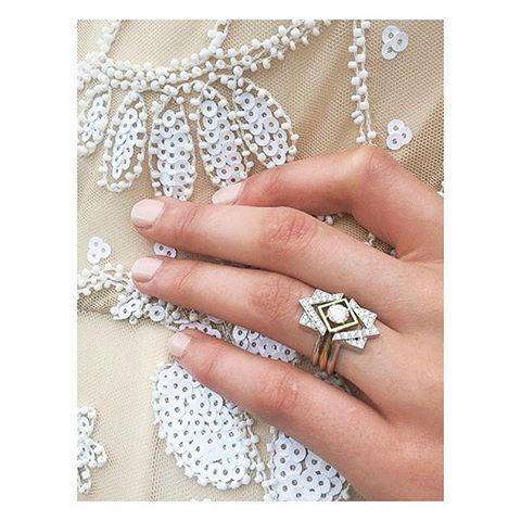 This beautiful ring is by @zoeandmorgan #marrakechwedding #morocco #marrakech #nwweddingrings