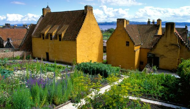 Culross Palace Garden - Scotland's Gardens - for when we're at Laura and Peter's.