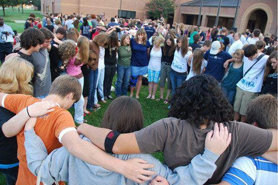 Va. Senate Passes Student Prayer Bill