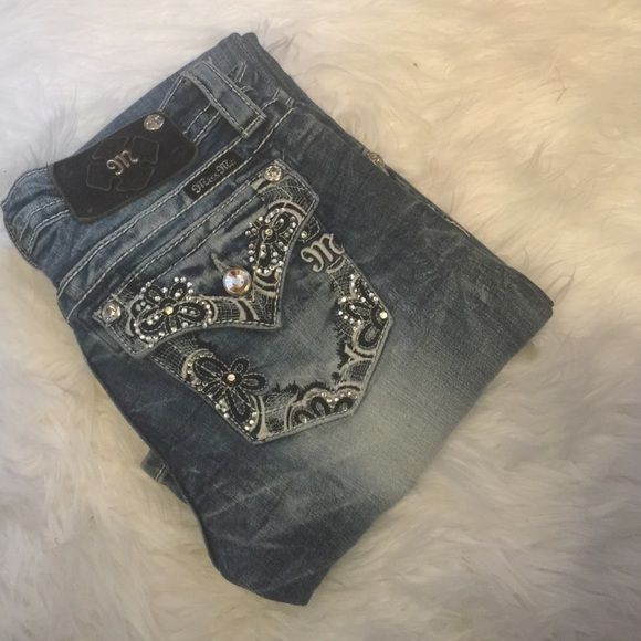 Miss me jeans Miss me jeans, missing some bottoms and jewels size 25 signature boot . Cute fit and great jeans. Miss Me Jeans