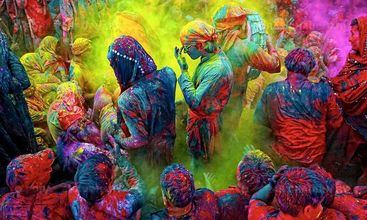 15 magnifiques photographies du festival des couleurs célébré en Inde pour fêter l'arrivée du printemps