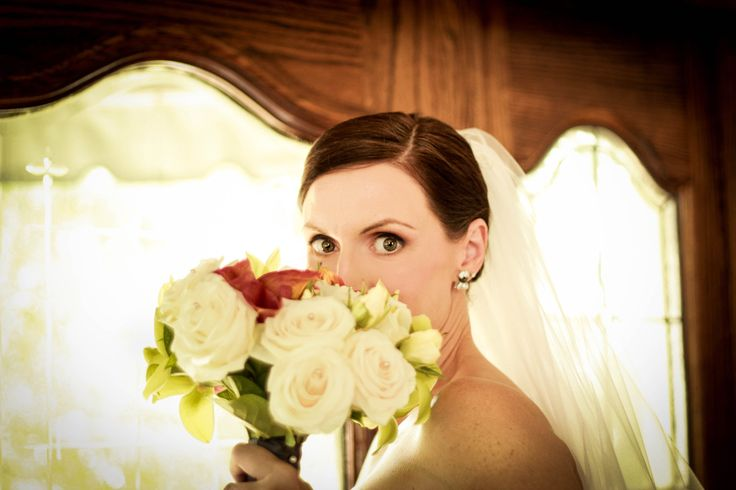 Great wedding photo's #weddingmakeuptoronto #bigeyes #hollywoodstarlet #vickimillarmakeupandhair