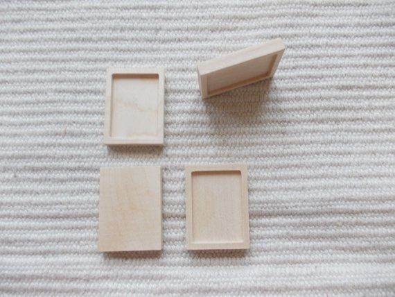 4 pieces Ash wooden rectangle shaped pendant/brooch base for jewel making. In the centre of the pendant there is a square-shaped cabochon frame/cutout, which gives a more attractive look to the pendant. You can put a little picture, textil or napkin into the cutout. wooden resin tray, wooden setting, mini picture frame, blank wood, jewelry making, wood craft supply, jewelry craft