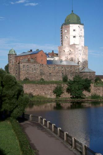 Vyborg Castle (Russian: Выборгский замок, Finnish: Viipurin linna, Swedish: Viborgs fästning) is a Swedish built medieval fortress around which the town of Viborg evolved. It was built as the easternmost outpost of the medieval Kingdom of Sweden: it is located on the Karelian isthmus, on a little islet in the innermost corner of the Gulf of Finland.