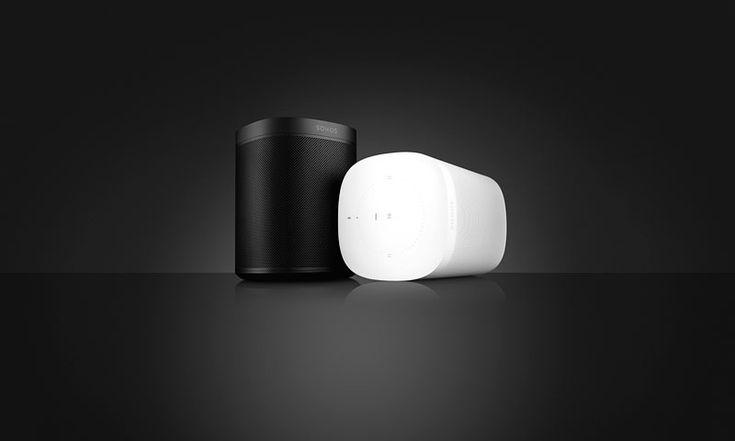 Win: Sonos One: Das edle und durchdachte Design des neun Sonos One fügt sich perfekt in die Umgebung ein. Neben Musik unterstützt Sonos One auch alle anderen Features, die Alexa so beliebt machen: Wer möchte, kann über den Smart Speaker das Wetter abfragen, einen Timer stellen, Nachrichten und Verkehrsberichte hören oder auch die neuesten Sportergebnisse erfahren. 2018 wird auch der Google Assistent in Sonos One integriert. Link: http://www.bold-magazine.eu/win-sonos-one