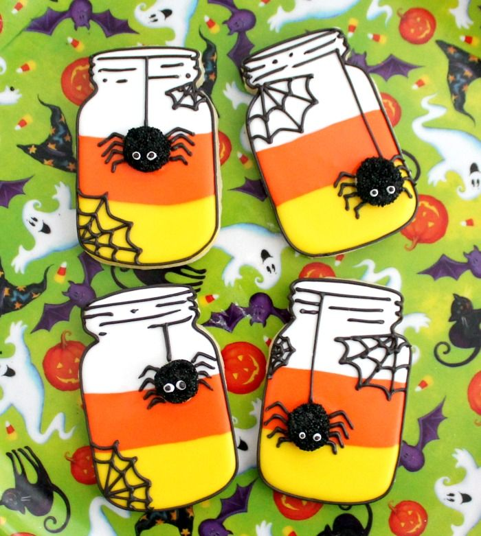 These Candy Corn Mason Jar Cookies are adorable yet spooky and perfect for Halloween! Amy of BZ Bees Sweet Treats walks us through the steps to create them.