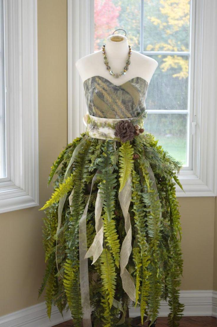 DIY Mannequin Christmas Tree – 9 Dress Form Tutorials (Free)