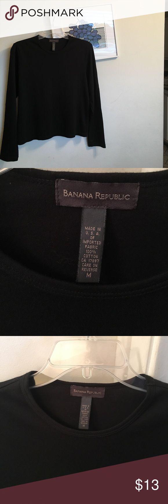CLASSIC BANANA REPUBLIC BLACK LONG SLEEVE TEE. Classic Banana Republic long sleeve black crew neck tee shirt. Never worn. Size M. Tops Tees - Long Sleeve
