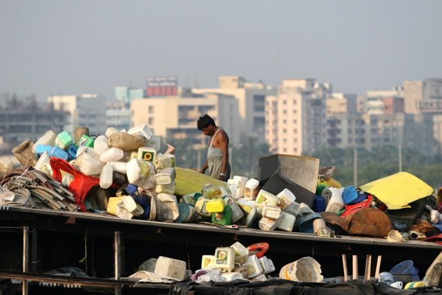 Explore Dharavi on a short Slum Tour | Padhaaro