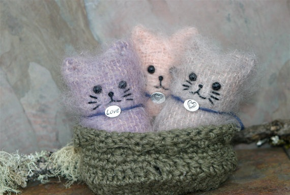 Three little Kittens made out of mittens: Cat Beds, Beds Eco, Ragdoll Kittens, Mittens, Cat Ladeee, Kitty Catz
