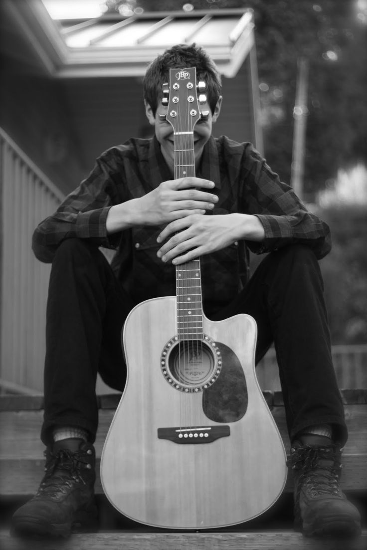 senior shoot- replace guitar with lacrosse stick