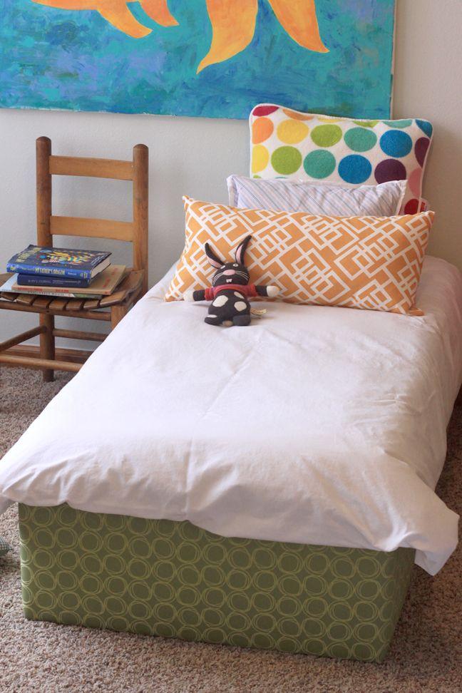 Great toddler bed idea!: Kids Beds, Ideas, Toddlers Beds, Boys Rooms, Platform Beds, Diy Toddlers, Toddler Bed, Girls Rooms, Kids Rooms