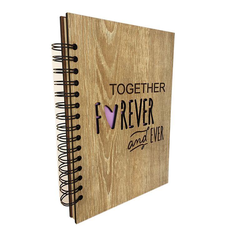 Siempre es una buena oportunidad de expresarle a alguien especial cuánto le quieres y qué mejor que una #Agenda by ArteMadeira, perfecta para llevar a todas partes.  #gift #love #regalo #mdf #madera #papelreciclado